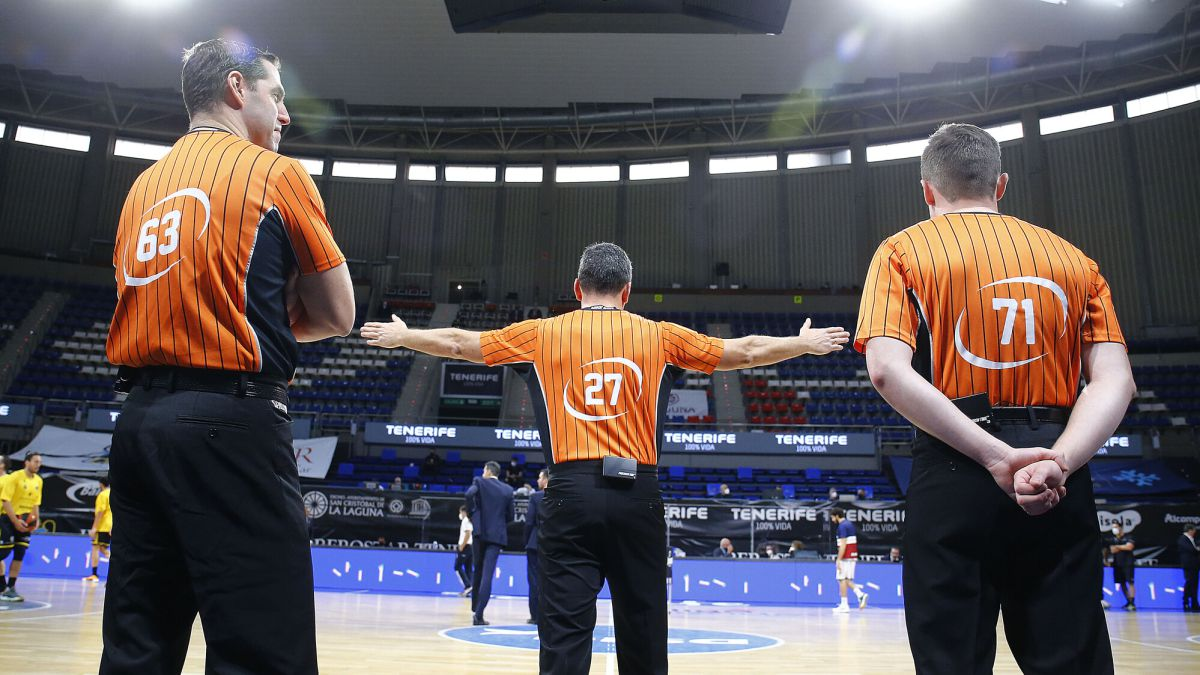 The-refereeing-odyssey-to-get-to-Malaga-on-time