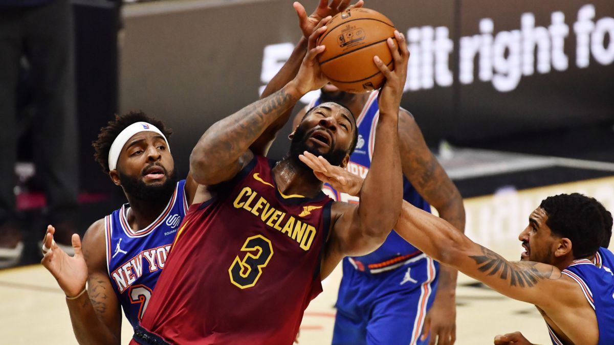 Colossal-Drummond-miracle-of-the-Thunder-painful-Kings