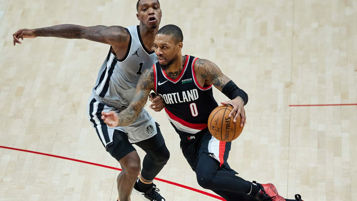 The-old-guard-of-the-Spurs-wins-to-the-thousand-lives-of-Lillard