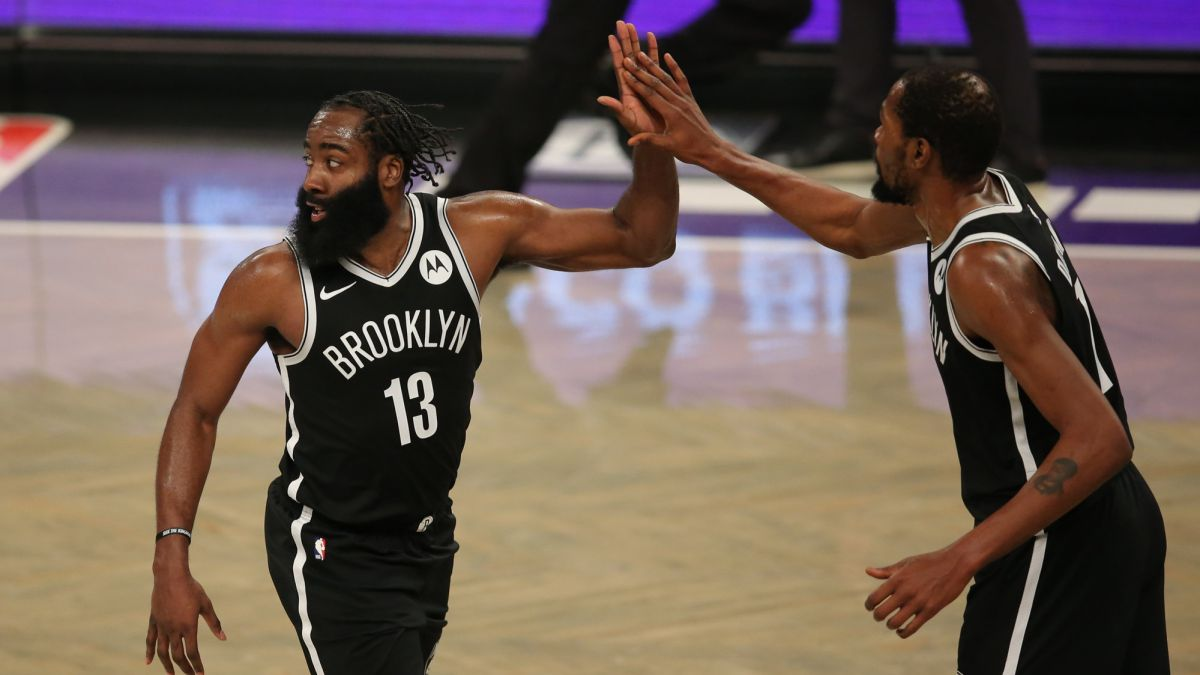 Talent-can-with-Giannis:-Harden-drives-and-Durant-decides