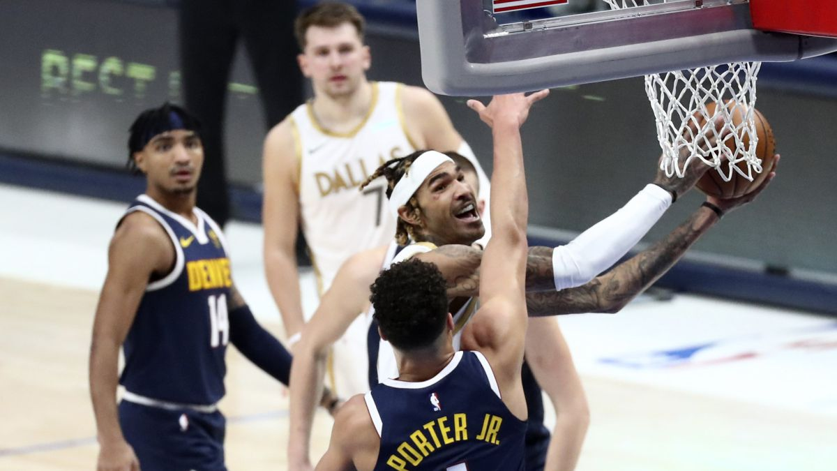 Doncic-on-another-bright-night-takes-notice-of-his-nemesis-Porter