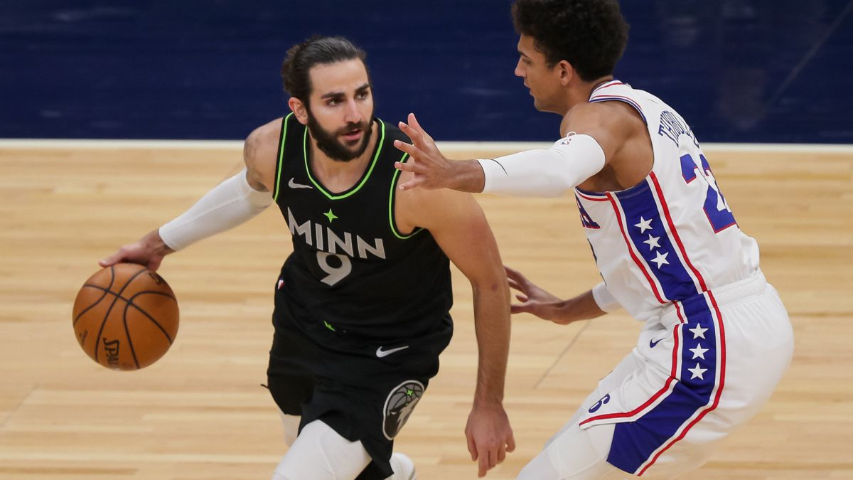 Follow-the-nightmare-of-Ricky-Rubio-and-some-sunken-Wolves