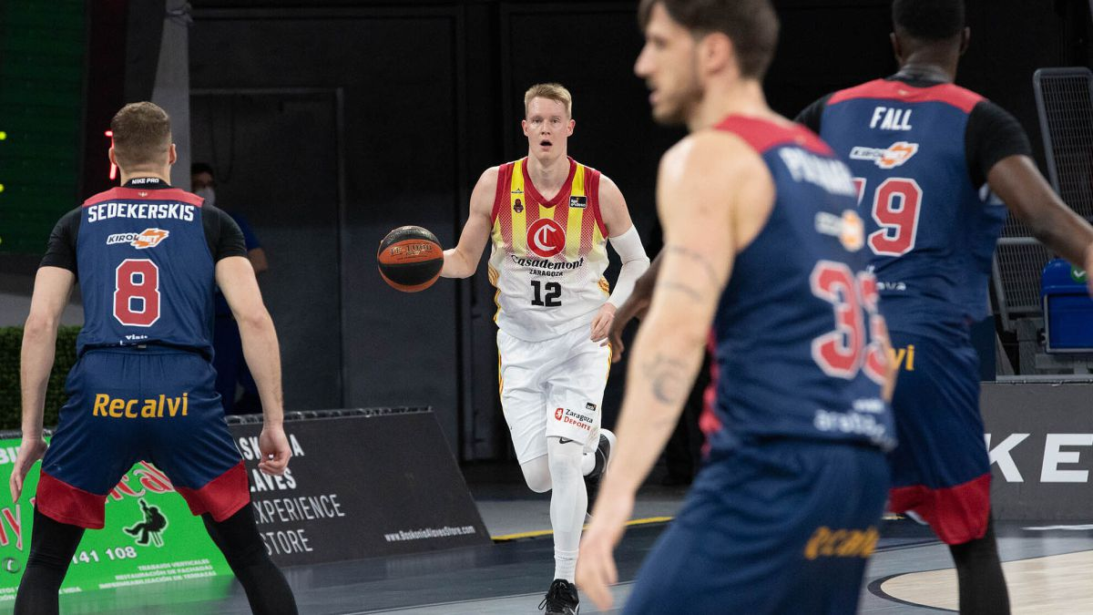 Sedekerskis-stands-out-in-the-clear-victory-of-Baskonia-in-Vitoria