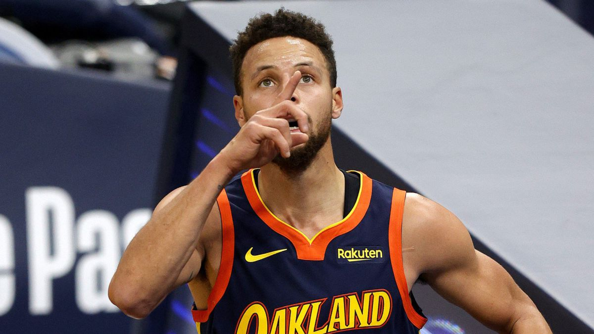 The-Loneliness-of-Stephen-Curry