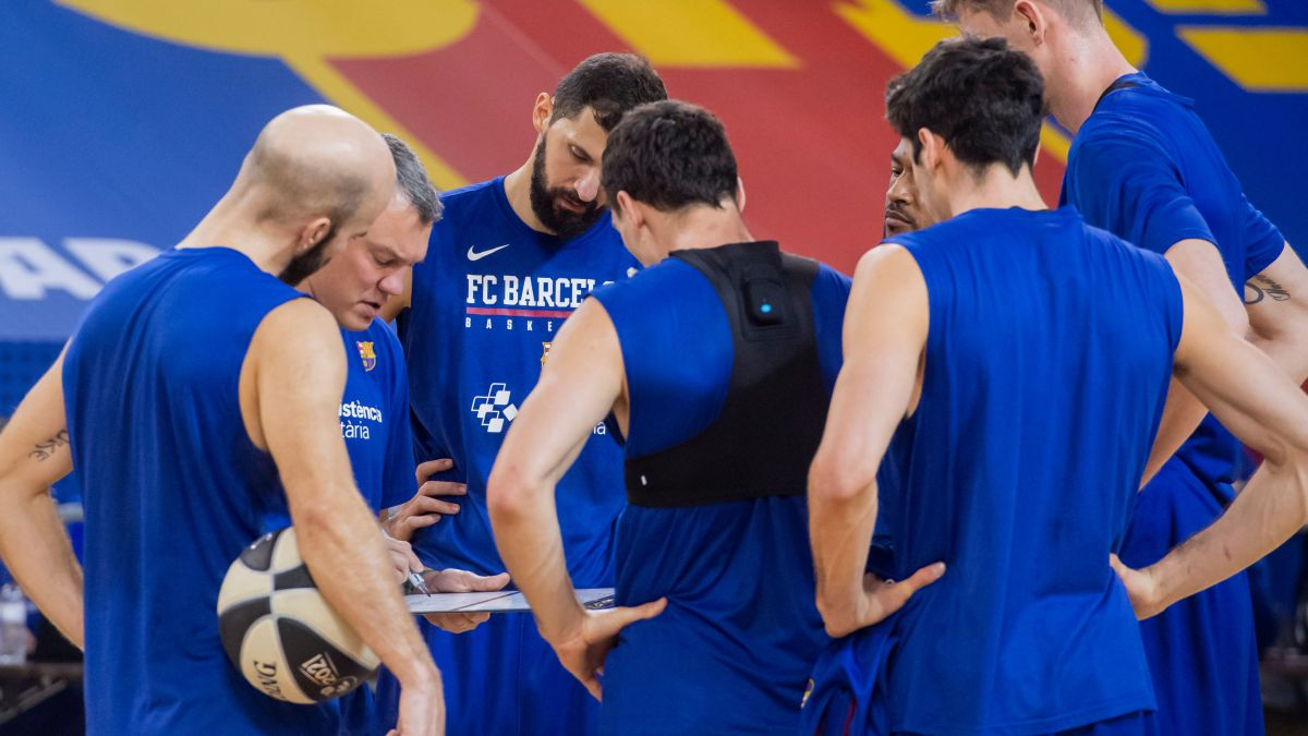 Barça-leaves-as-a-favorite-against-a-covered-Unicaja