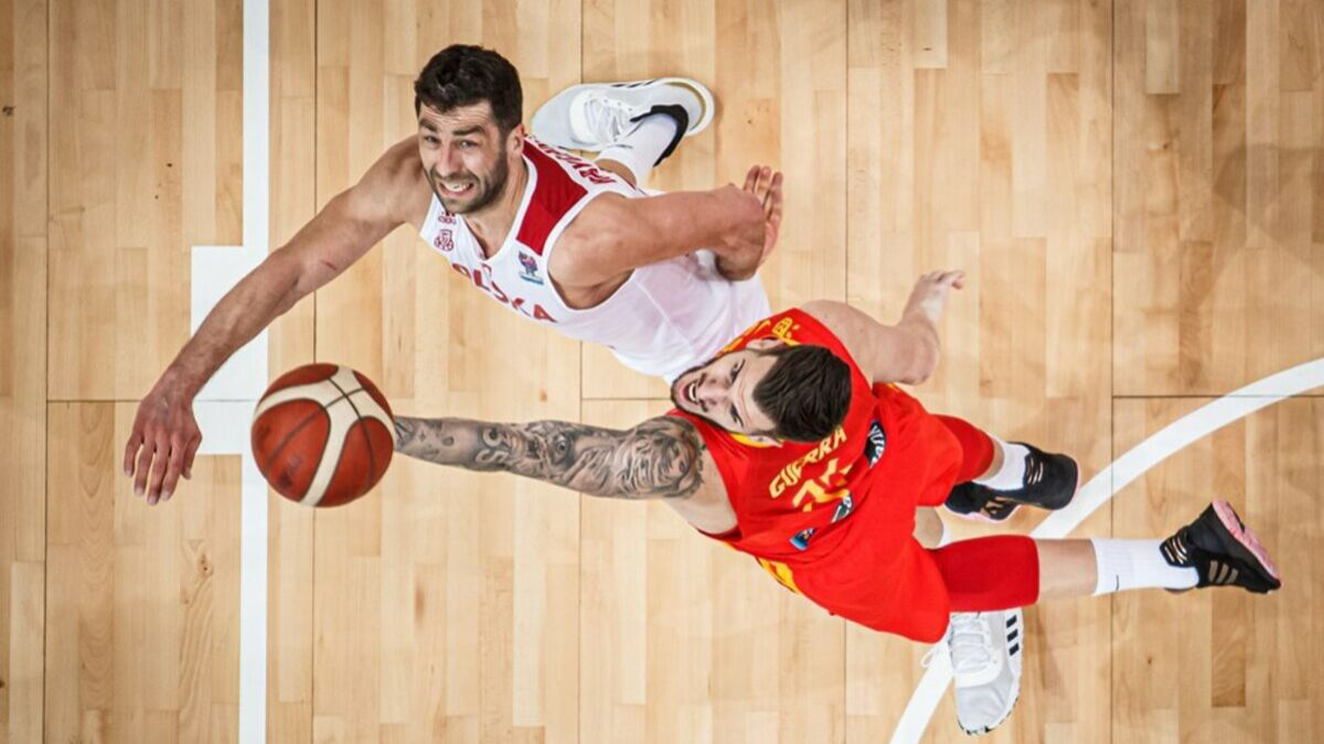 Spain-conquers-Poland-in-the-last-second