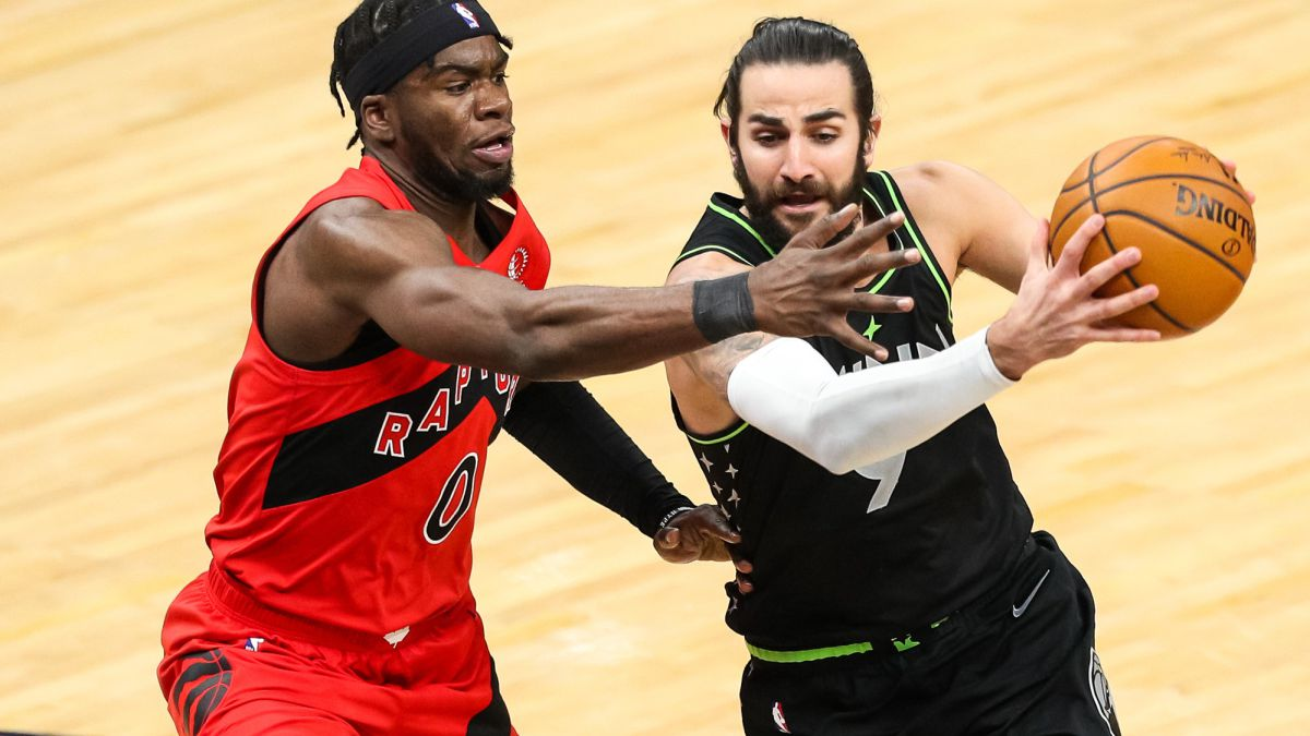 Ricky-goes-back-to-his-old-ways-in-the-horror-of-the-Timberwolves