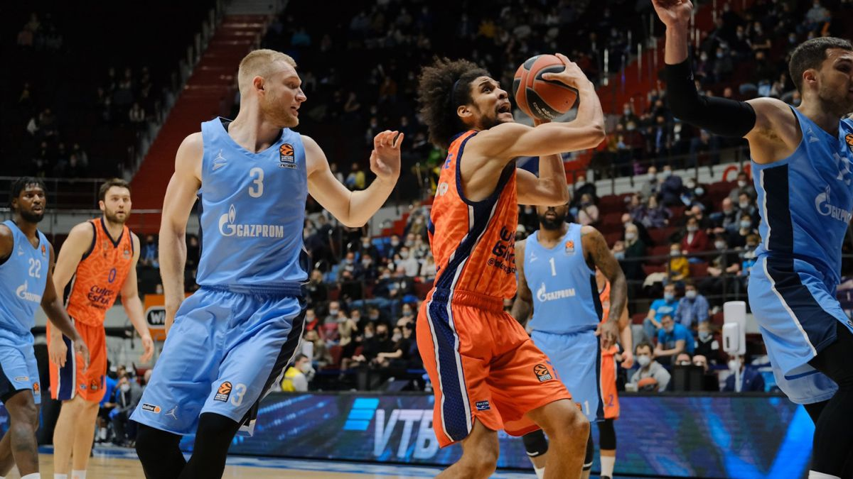Valencia-Basket-crushes-Zenit-and-approaches-the-playoff