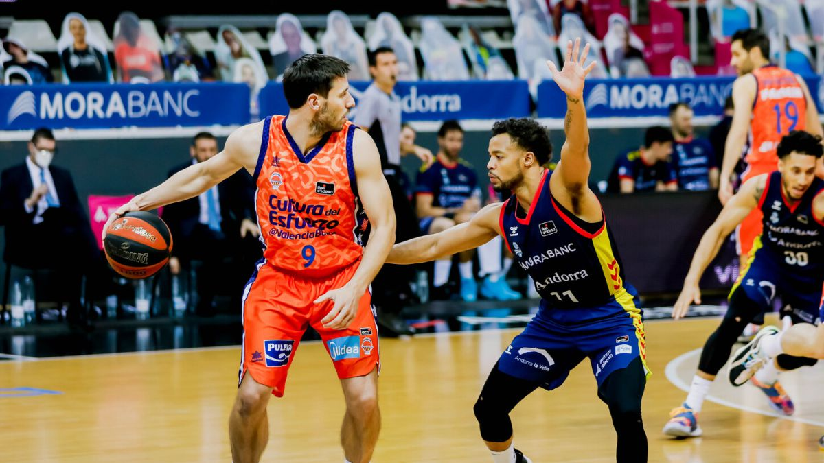End-to-the-great-streak-of-Valencia-Basket-because-of-Hannah