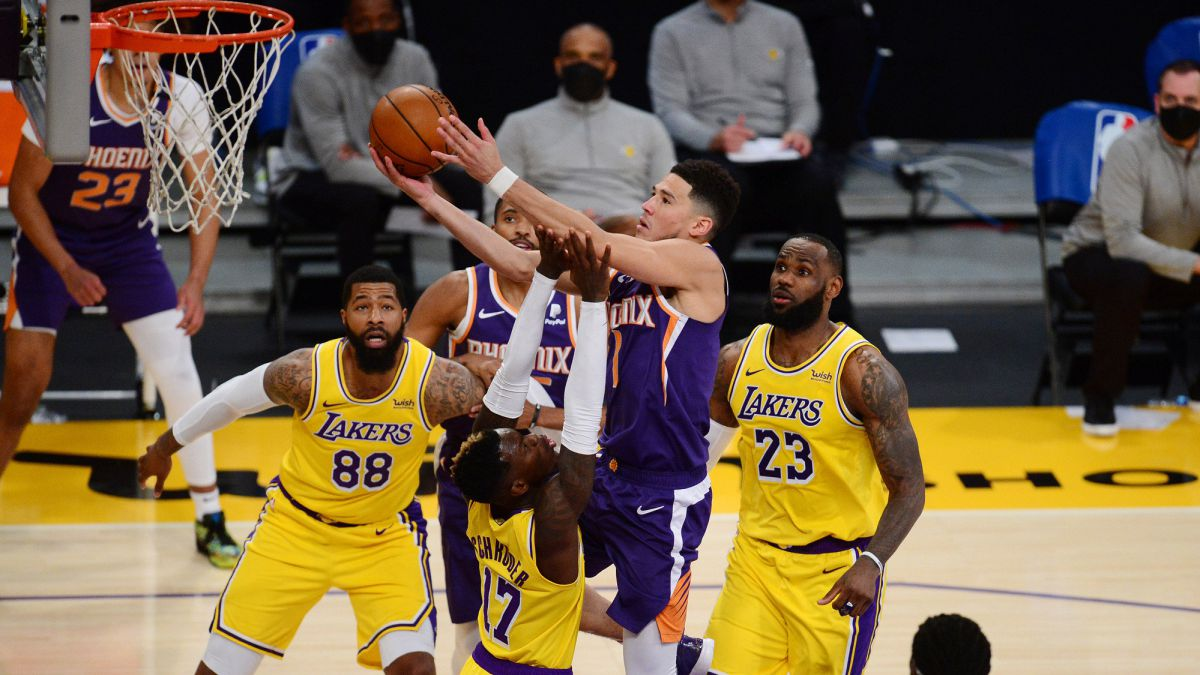 Not-even-the-ridiculous-expulsion-of-Booker-stops-the-Suns:-victory-against-the-Lakers-despite-a-good-LeBron