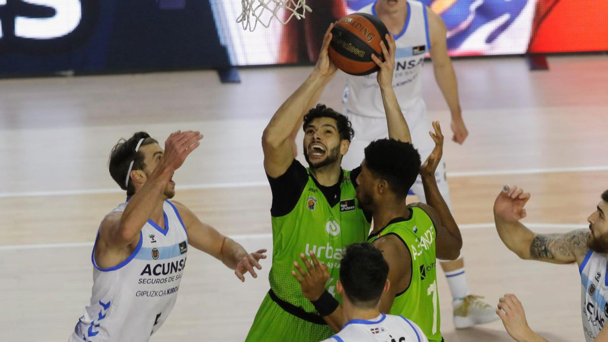 Fuenlabrada-suffers-and-takes-a-breath-towards-salvation