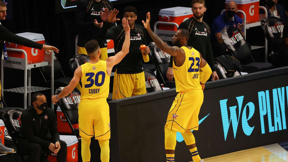LeBron-James-and-Stephen-Curry-neither-with-you-nor-without-you