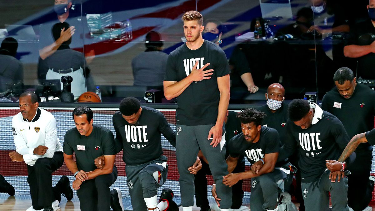 Meyers-Leonard-removed-from-Heat-for-anti-Semitic-insult