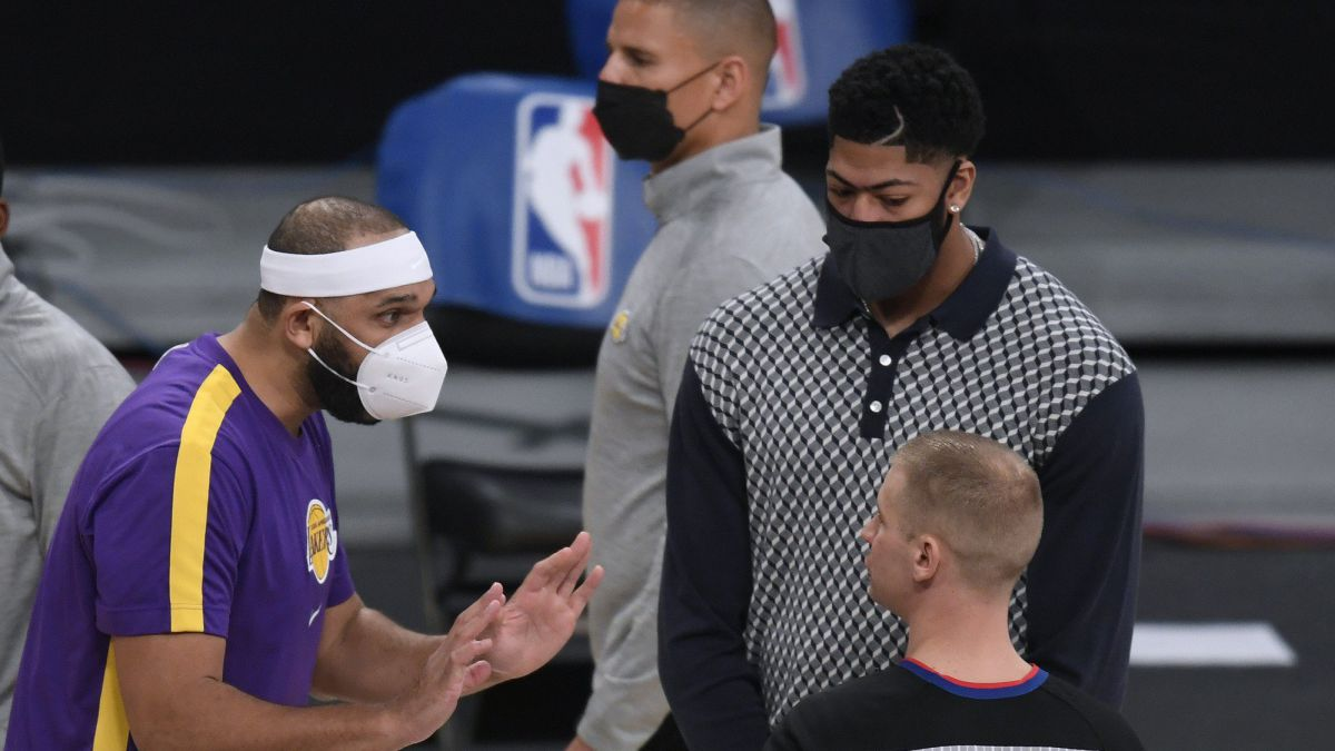 The-Lakers-will-have-to-suffer-two-more-weeks