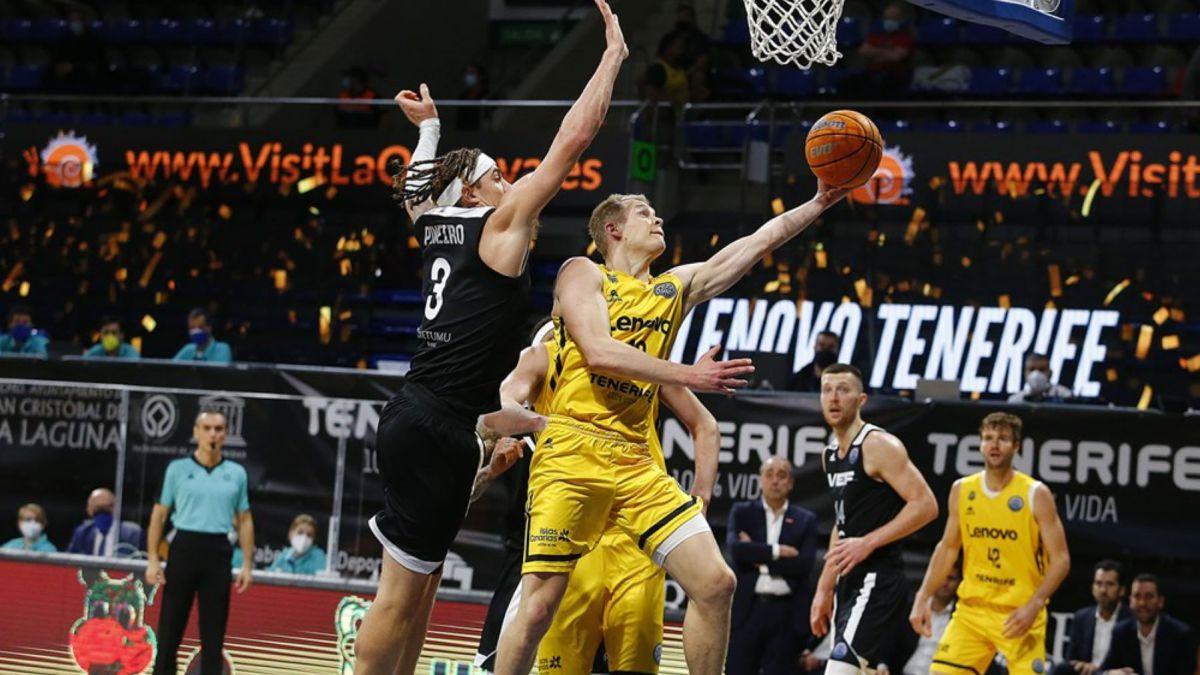 Shermadini-takes-down-VEF-Riga