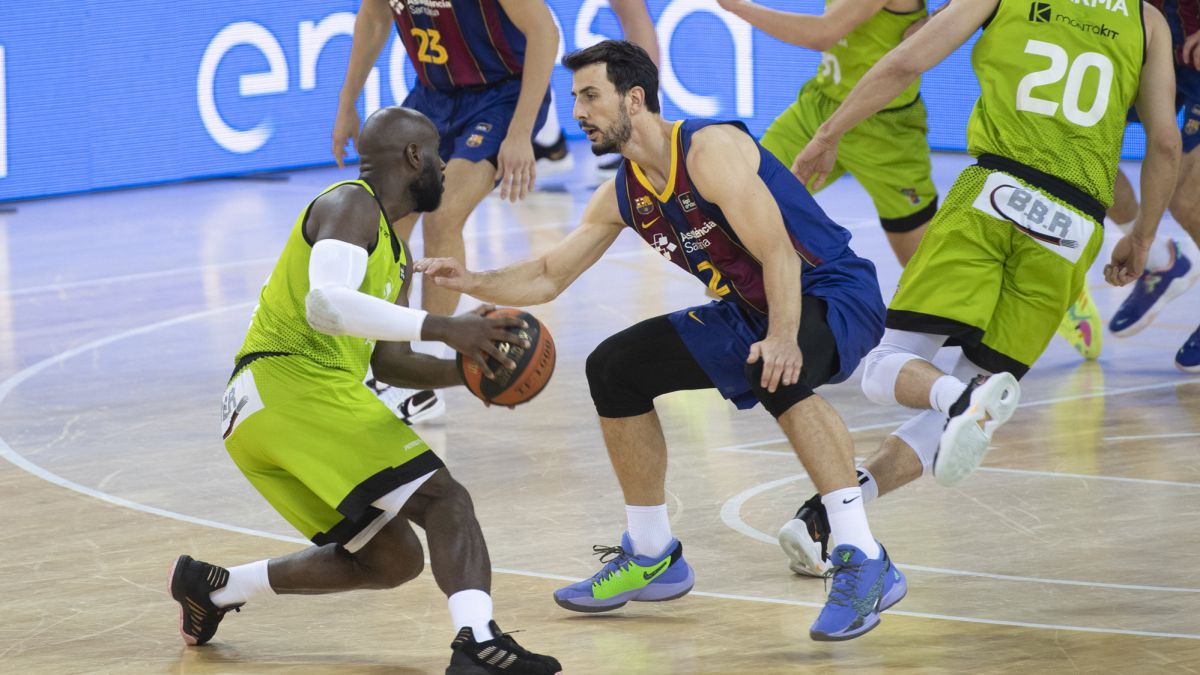 Madness-at-the-Palau:-Fuenla-makes-a-mess-and-Barça-survives