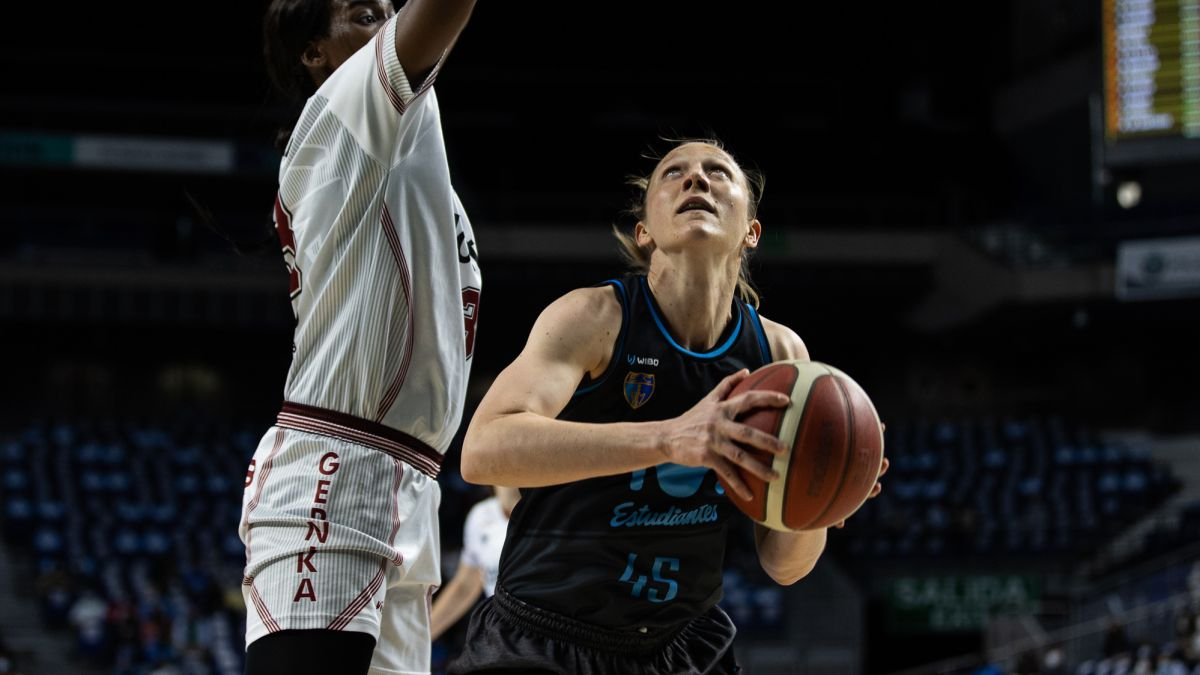 Movistar-Estudiantes-hits-first-in-the-quarters