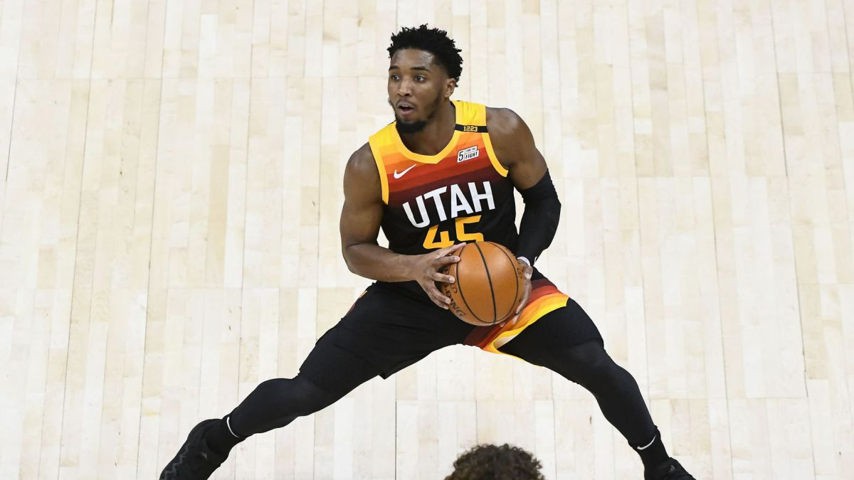 """Donovan-Mitchell-talks-about-his-fear-of-flying-after-the-Utah-incident:-""""I-thought-it-was-over."""""""