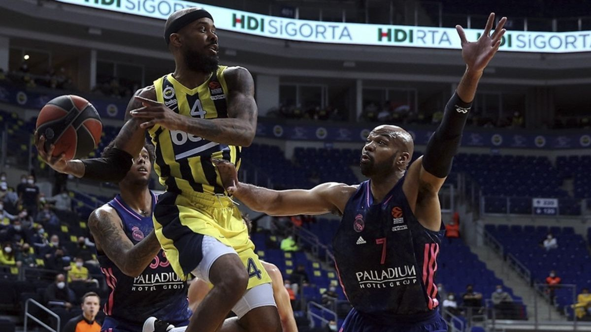 Madrid-take-Istanbul-with-19-triples-and-will-fight-for-the-title