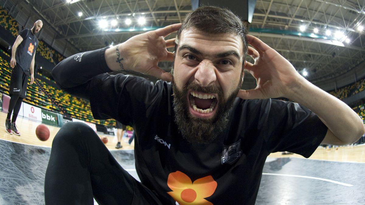 Surprise:-Vasileiadis-returns-to-Spain-to-play-for-Murcia