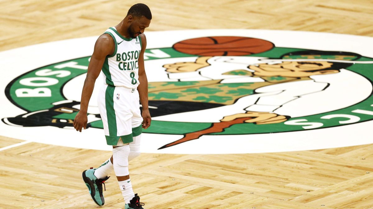 The-changes-begin:-Kemba-with-a-foot-and-a-half-out-of-Boston