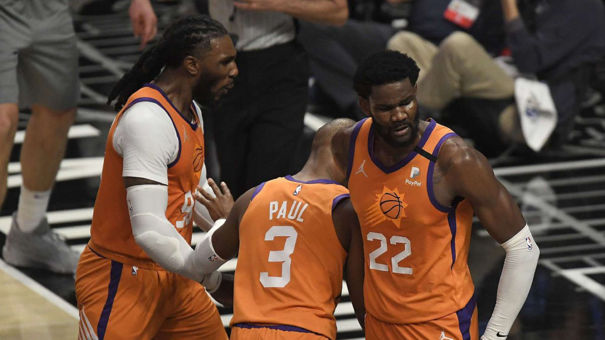 Deandre-Ayton-releasing-a-number-one