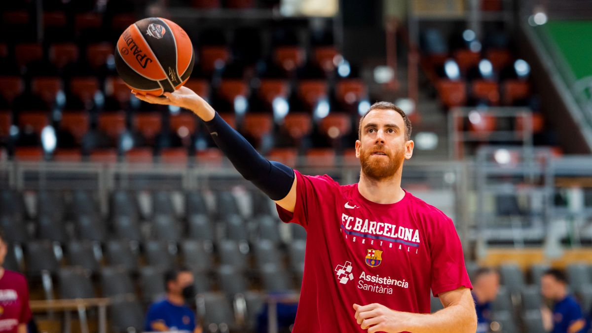 Claver-dissociates-himself-from-Barça-and-points-to-Valencia-Basket