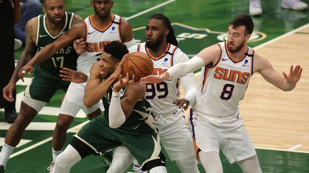 """Giannis-and-the-torture-of-the-Suns:-""""I'm-not-Michael-Jordan-..."""""""