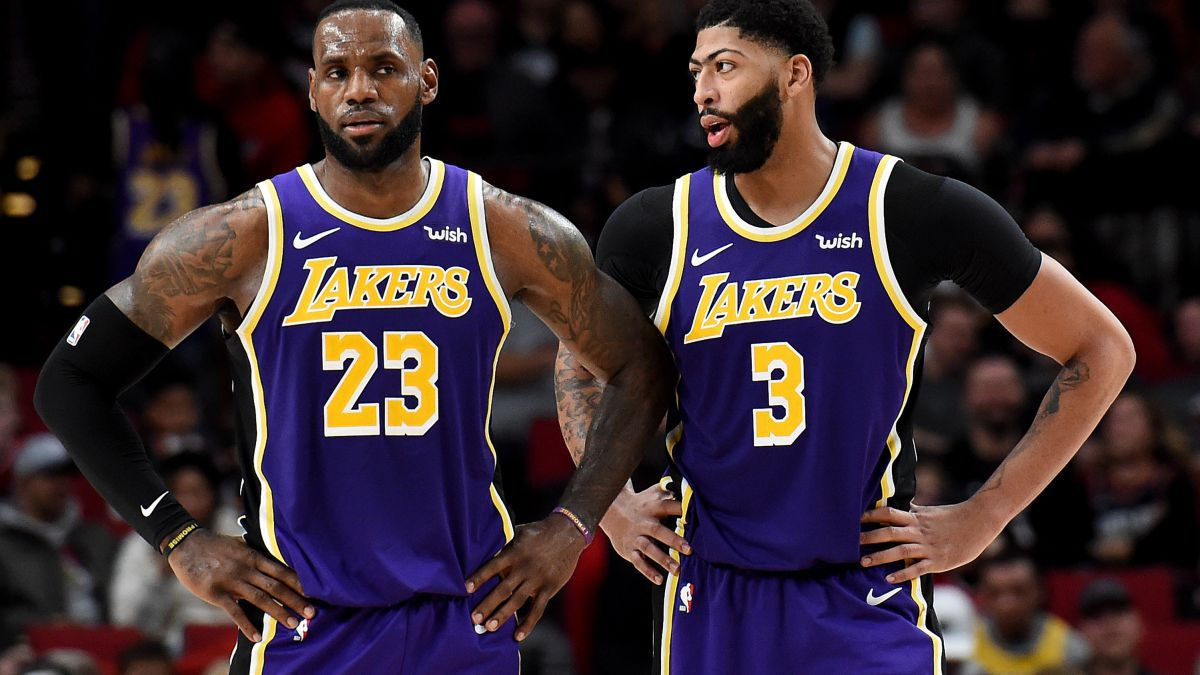 Cascade-of-laps-to-the-Lakers