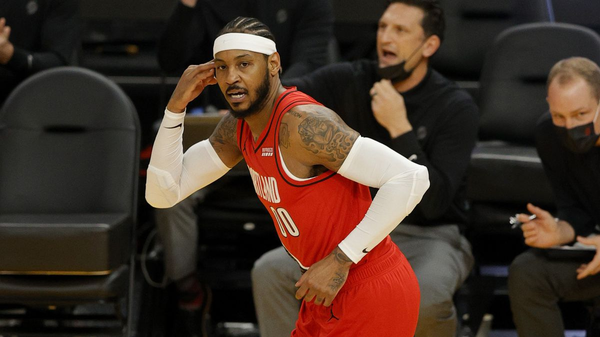 Surprise-signing:-Carmelo-to-Lakers