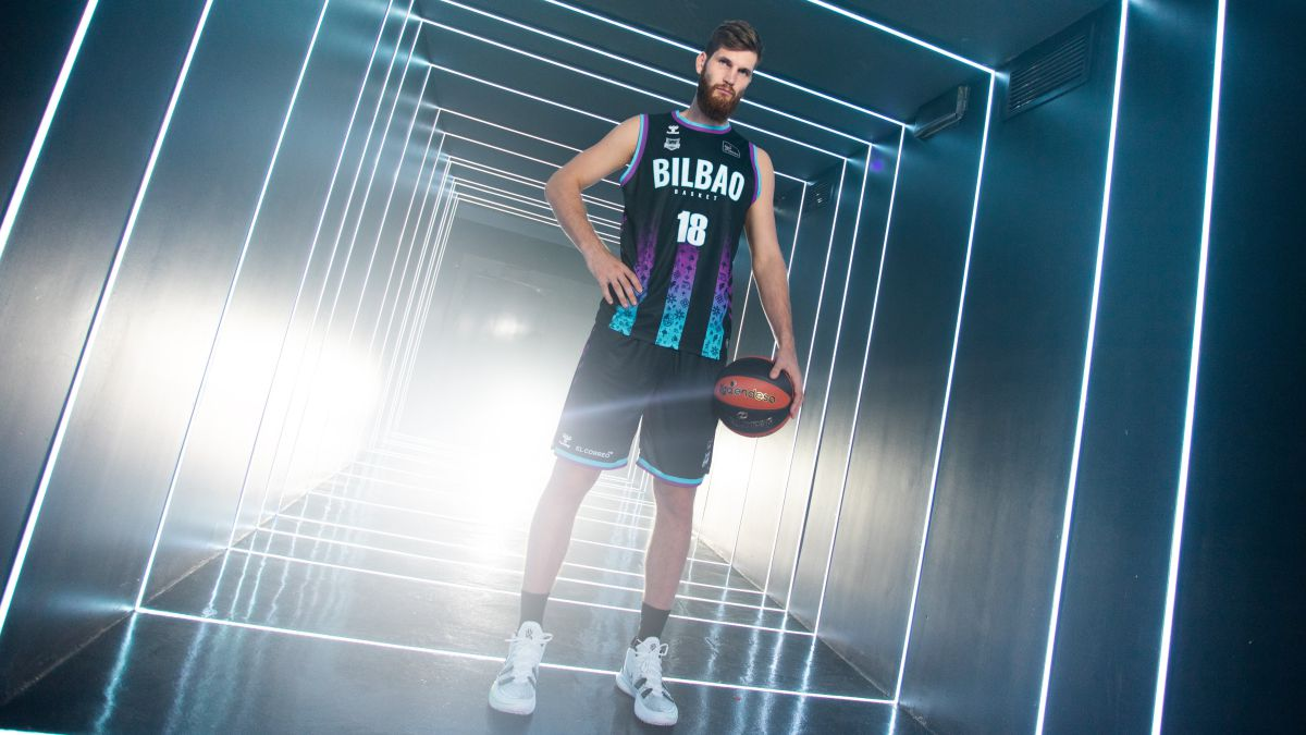A-groundbreaking-t-shirt-for-the-return-of-the-'basketball-vice'