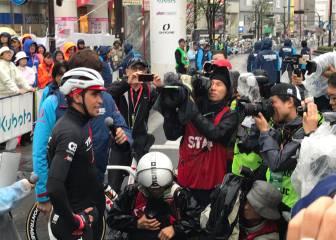 Canola se impone en el baño de masas de Contador en Japón