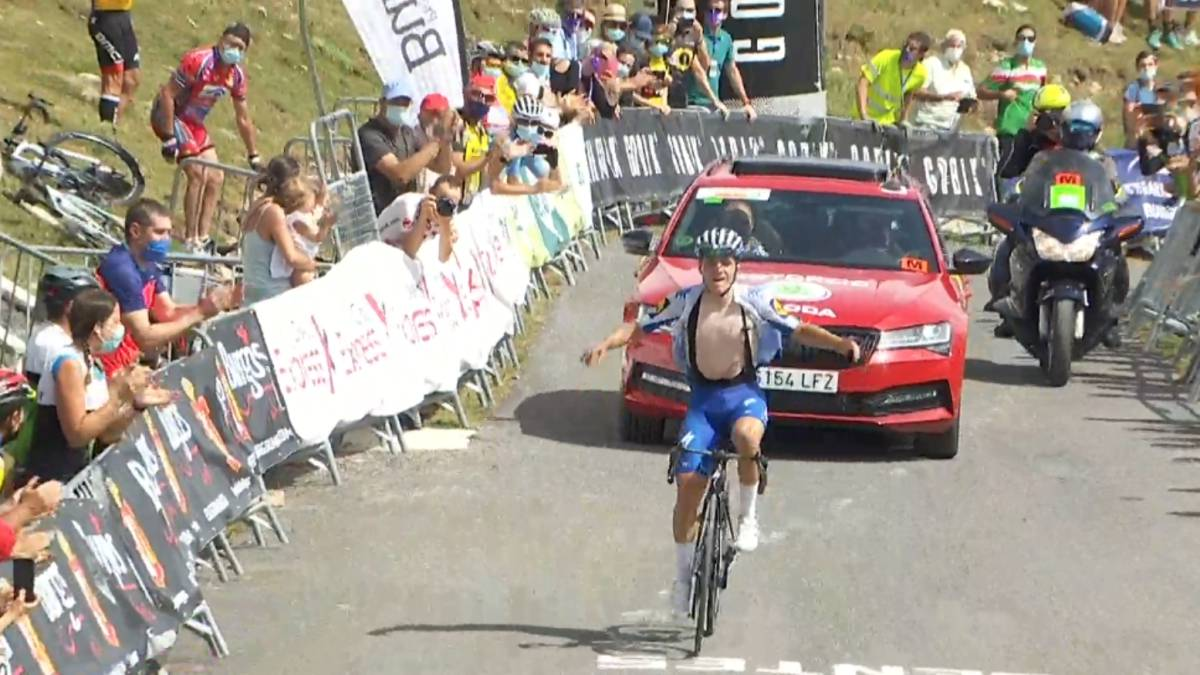 Evenepoel-exhibition:-victory-and-leadership-with-20-years
