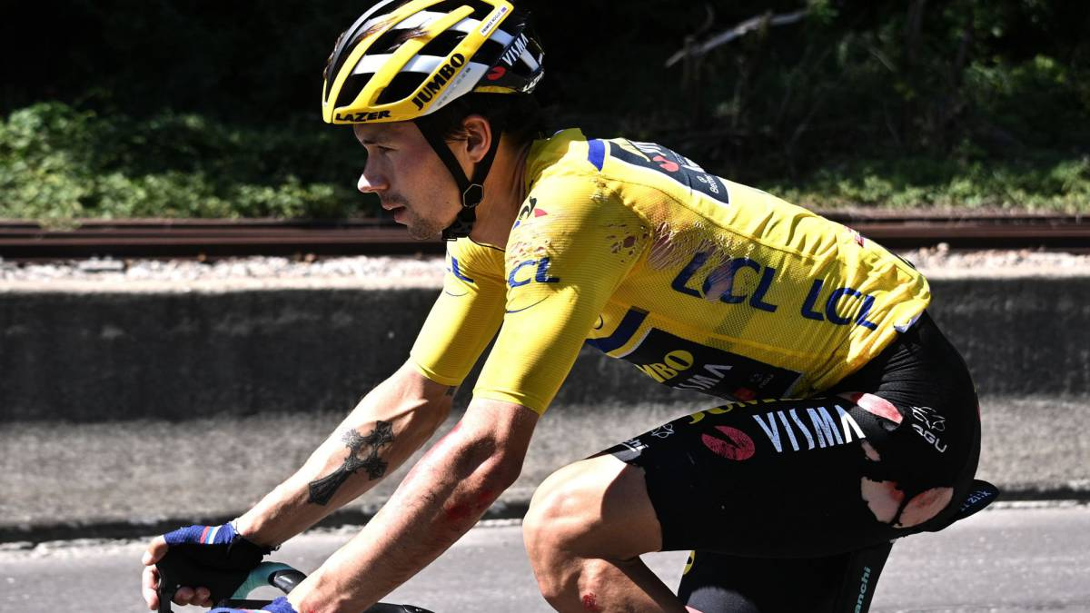 Roglic-leaves-the-Dauphiné