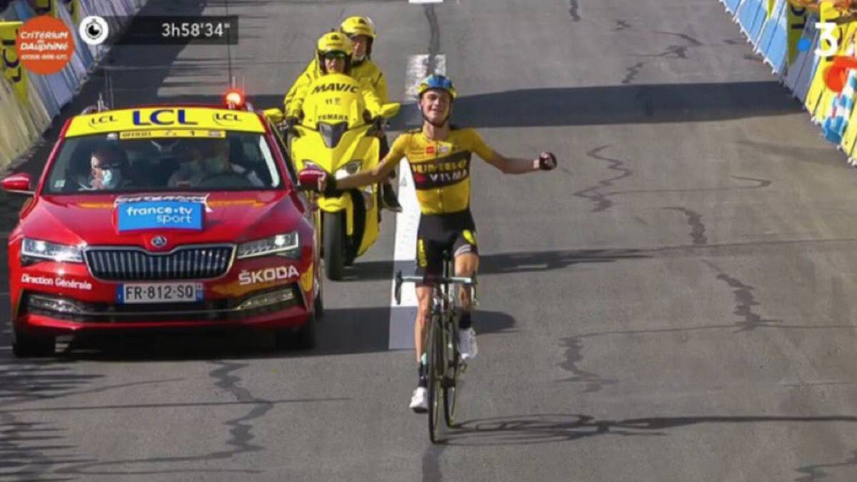 Kuss-honors-Roglic-and-Daniel-Martínez-takes-the-Dauphiné