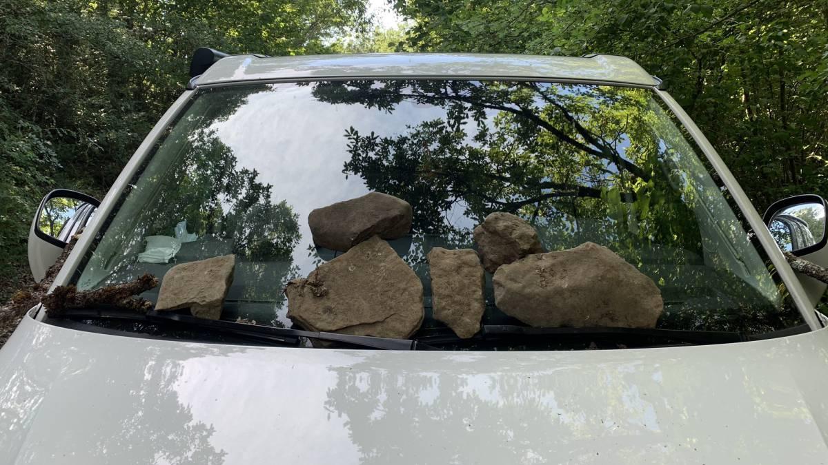 They-damage-Markel-Irizar's-car-for-hearing-him-speak-Basque