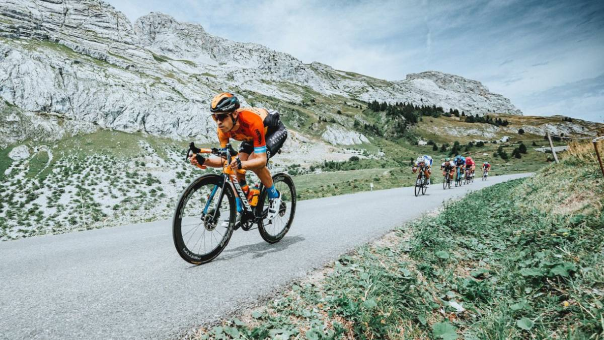 Landa-recovers-from-his-back-pain-and-is-already-looking-at-the-Tour