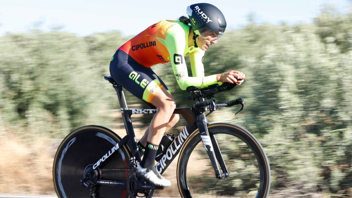 Mavi-García-sweeps-to-achieve-the-National-time-trial