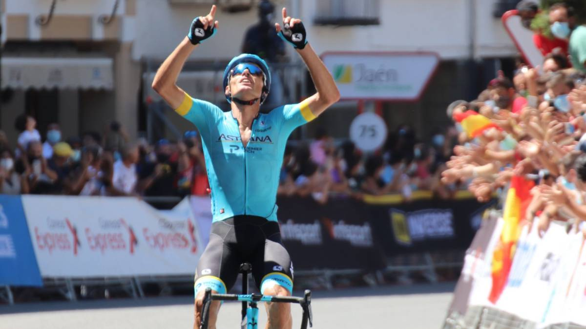 First-National-for-Luis-León-Sánchez-at-36-years-old