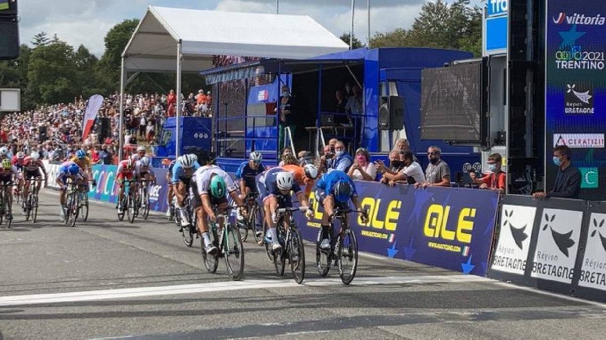 Nizzolo-after-the-photo-finish-achieves-another-European-title-for-Italy