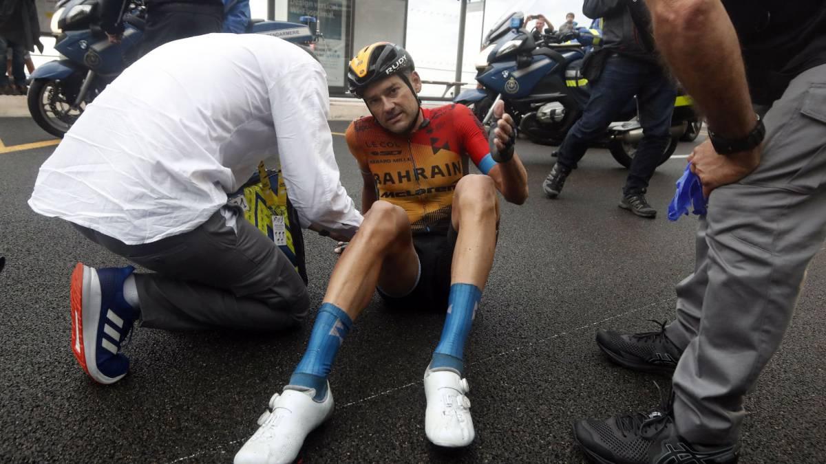 First-casualties:-broken-femur-for-Valls-and-kneecap-Gilbert