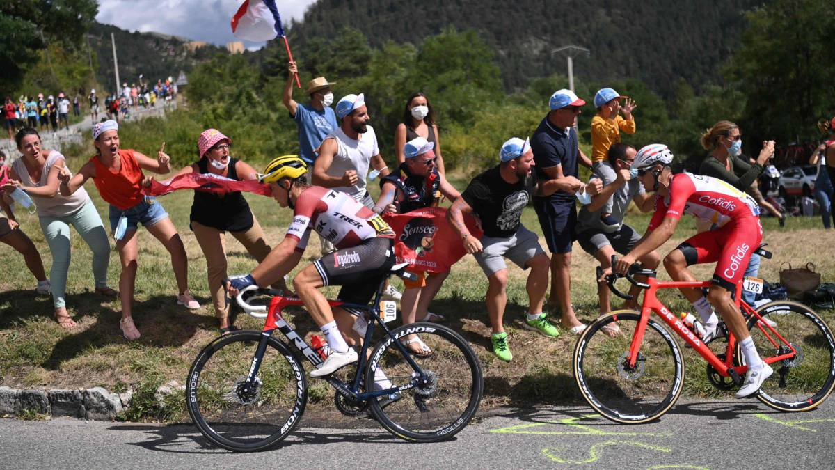 Tour-de-France-live:-the-yellow-jersey-off-the-hook