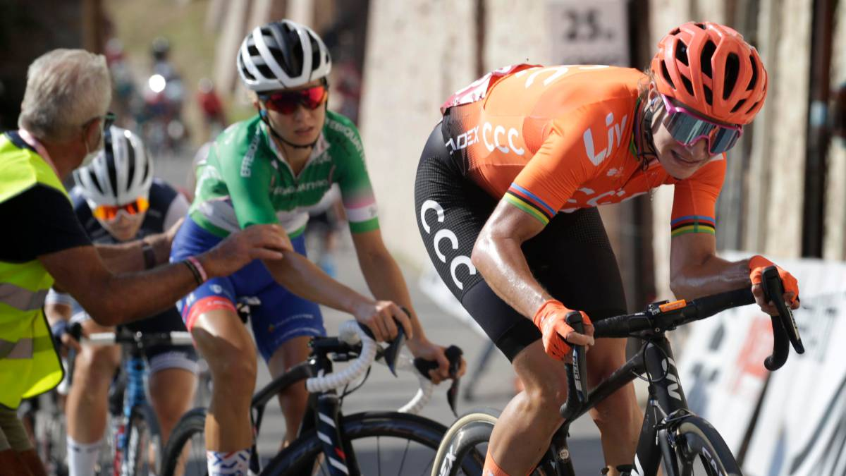 You-win-on-the-climb-to-Assisi-and-Van-Vleuten-continues-to-lead
