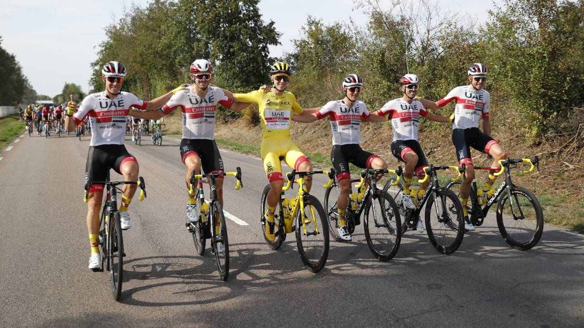 How-much-money-does-each-team-take-in-the-Tour-de-France?