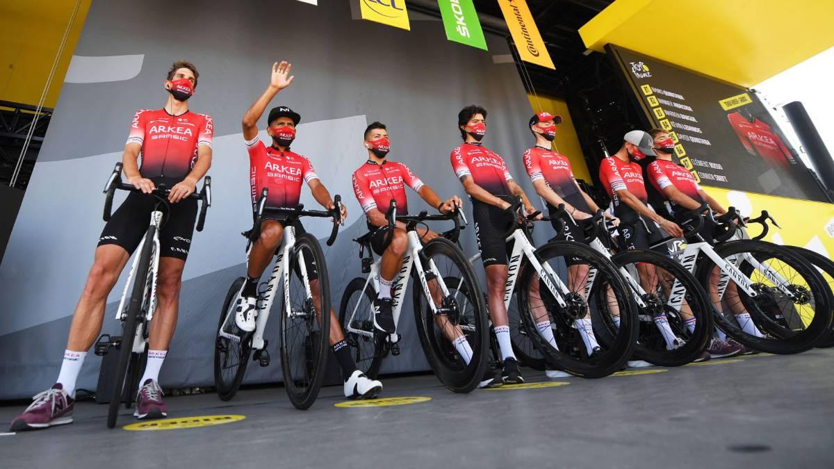 Raid-on-Nairo-Quintana's-Arkéa-Samsic-team