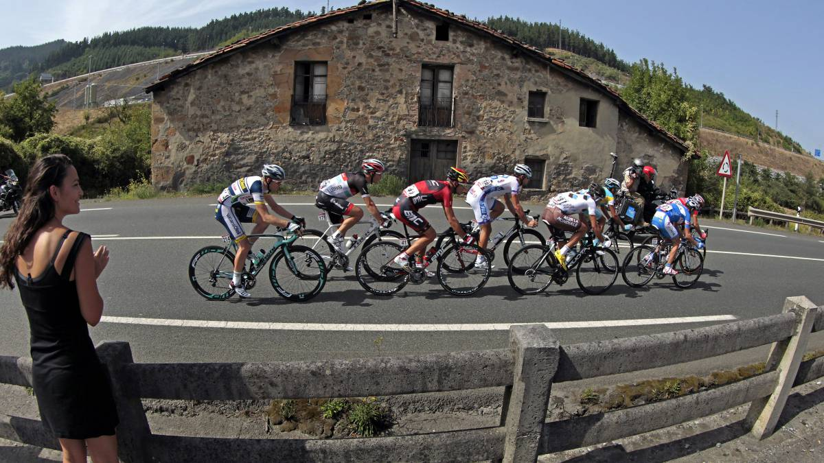 Stage-1-of-La-Vuelta:-The-first-lead-for-a-climber