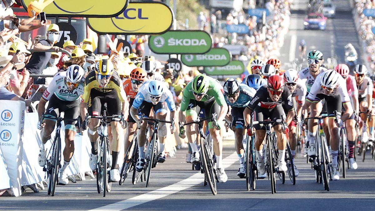 Sagan-asks-Van-Aert-to-apologize-after-his-incident-on-Tour