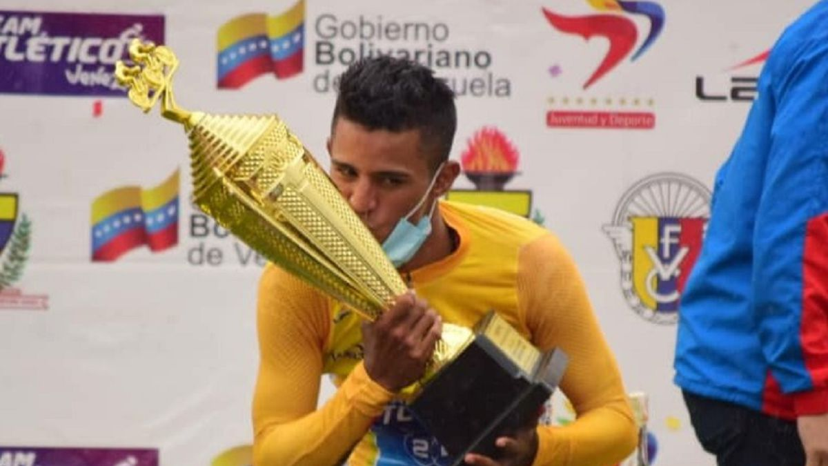 Roniel-Campos-wins-the-Tour-of-Táchira-against-Óscar-Sevilla