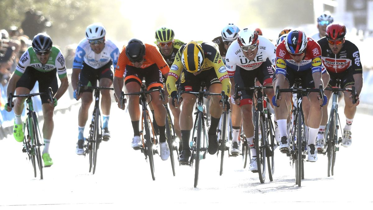 The-Tour-of-Valencia-is-postponed-due-to-the-coronavirus
