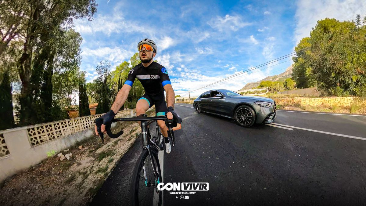 'With-(live)'-from-'Where-is-the-limit?'-starts-with-overtaking-cyclists